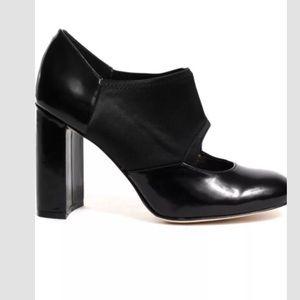 Vince Camuto Black Bernard Heel Shoes Size 8.5M